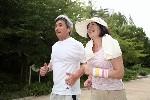 ジョギングする老夫婦5.jpg